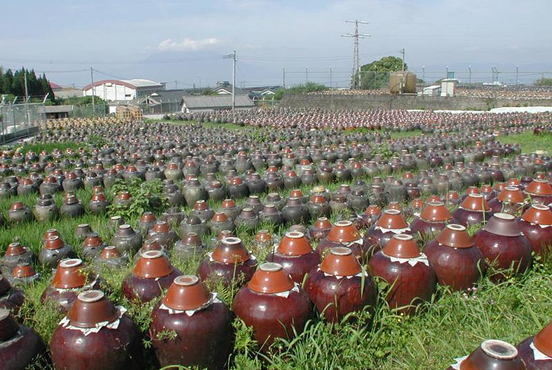 黒酢の福山から天然黒酢をお届けします